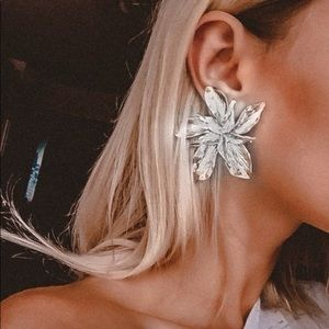NEW! Silver Floral statement earrings
